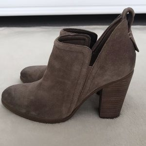 Vince Camuto Francia bootie in foxy